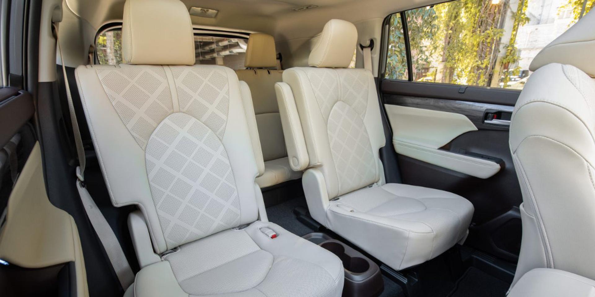 Toyota Highlander back row seats