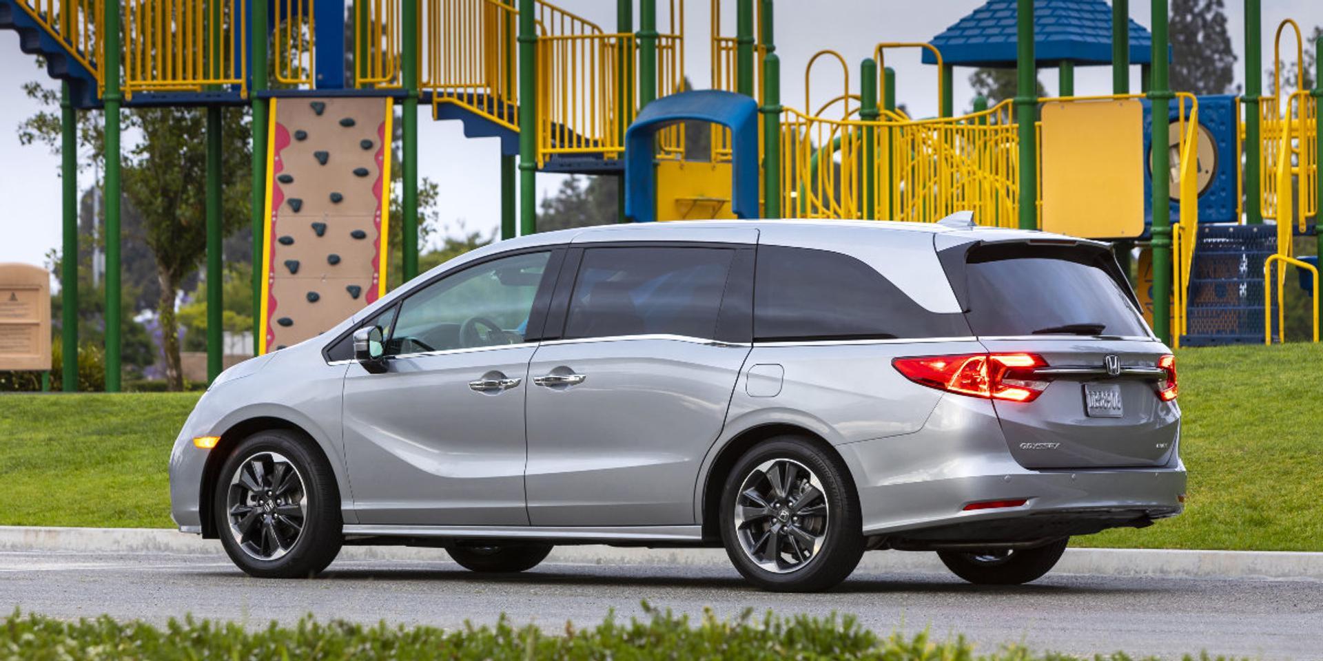 Honda Odyssey rear view