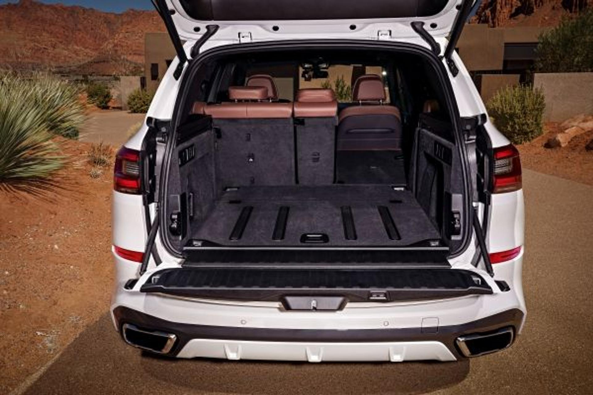 BMW X5 trunk