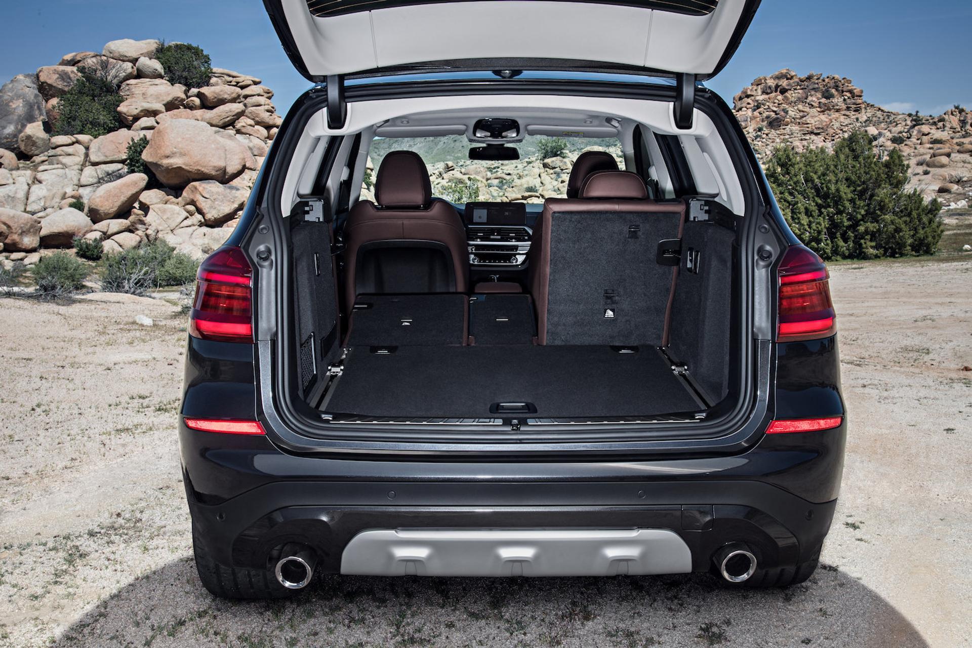 BMW X3 trunk