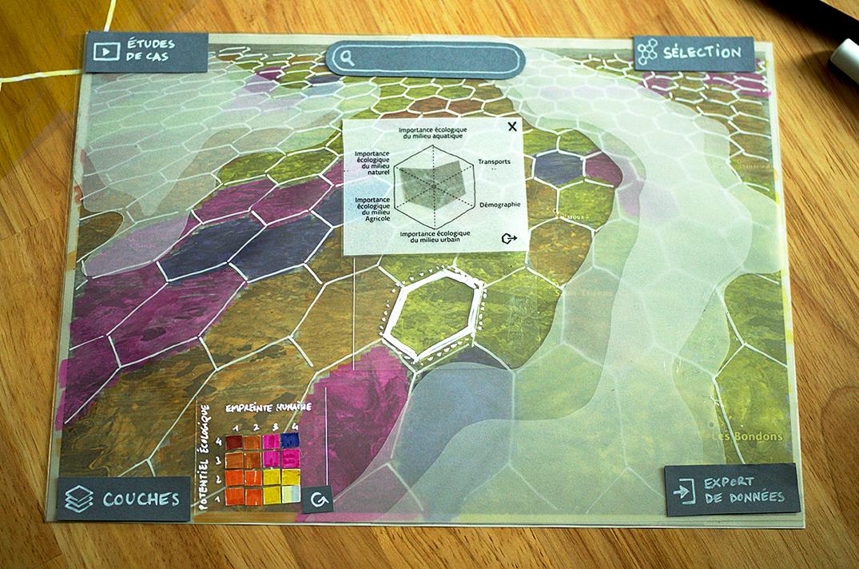 Photo de la maquette papier de l'interface