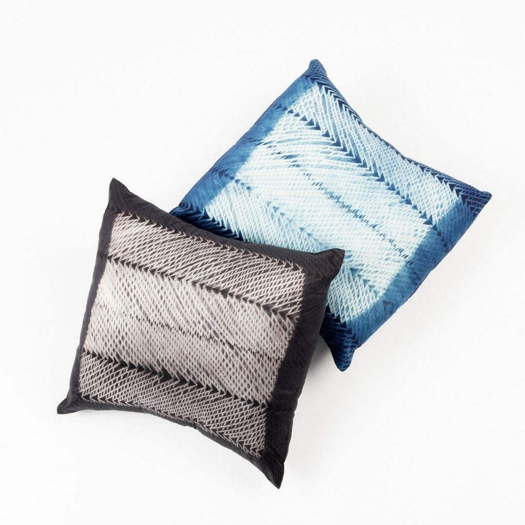 Product Image for Ara Black Silk Pillow