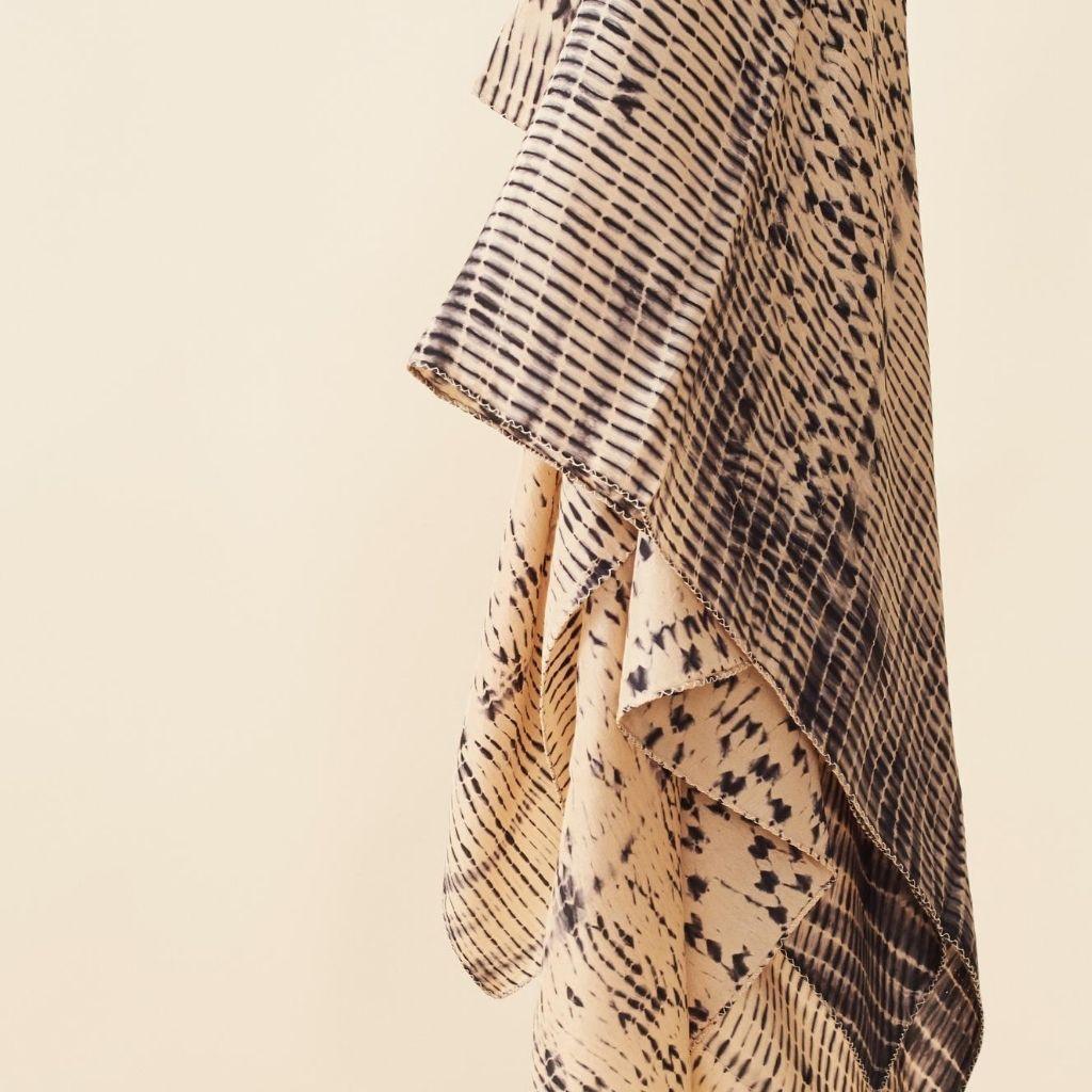 Product Image for Tesu Black Silk Scarf