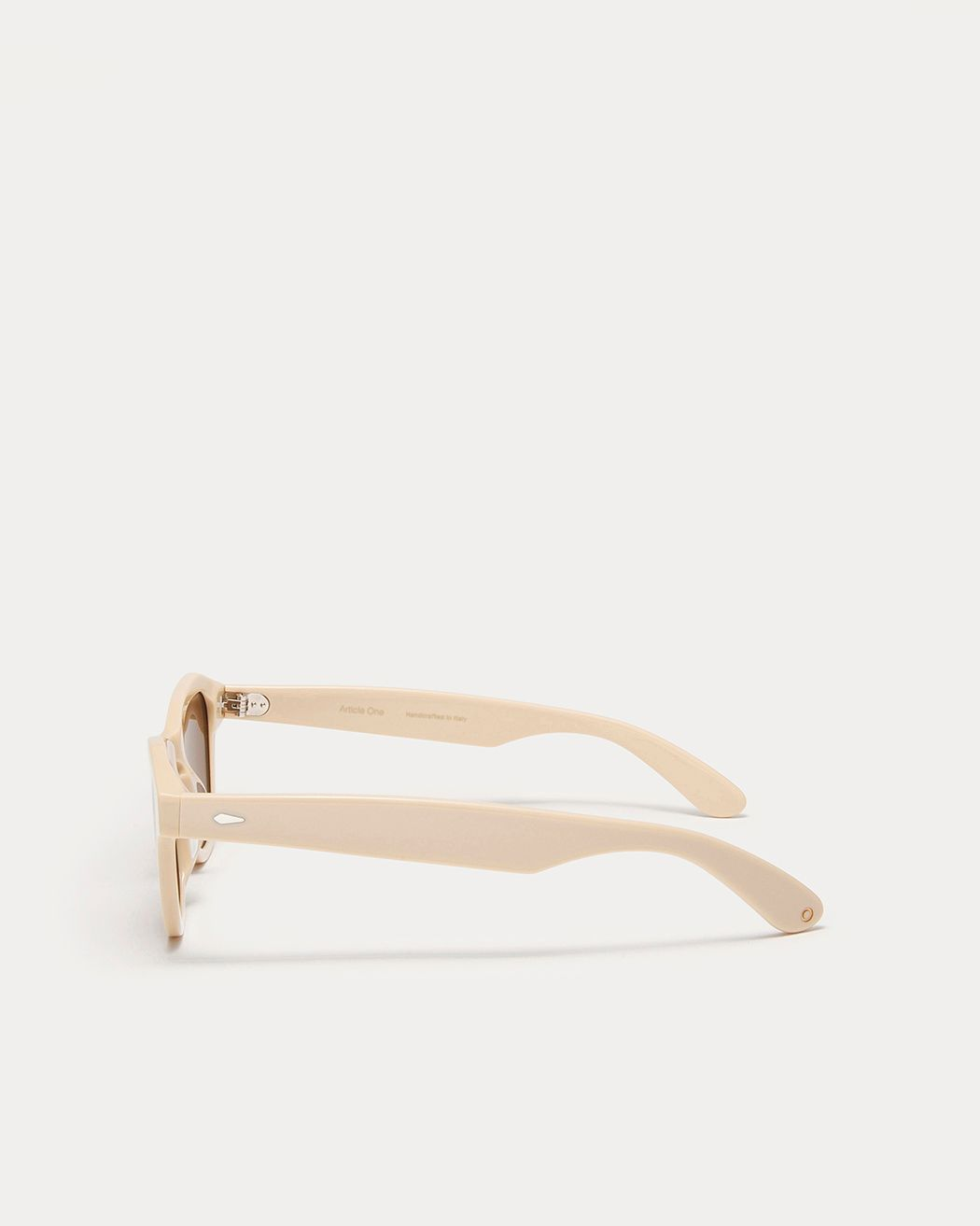 Product Image for Finch, Bone
