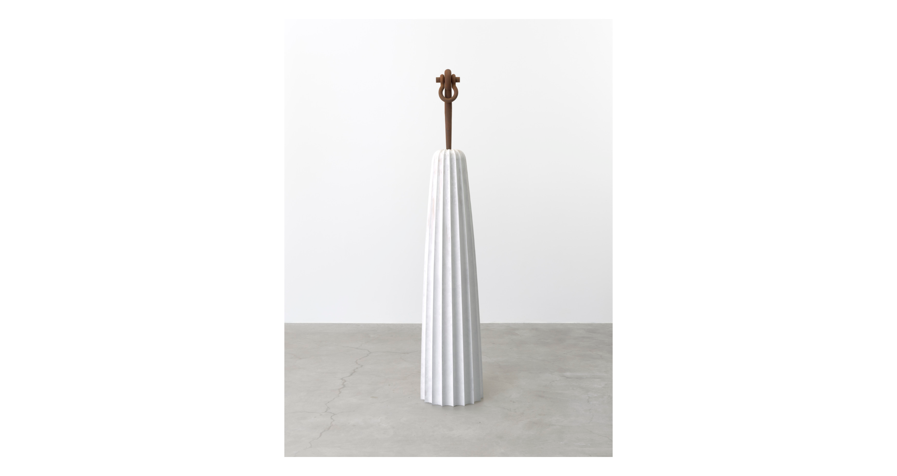 Martin Puryear, A Column for Sally Hemings, 2019, at his winter 2021 solo show at Matthew Marks Gallery