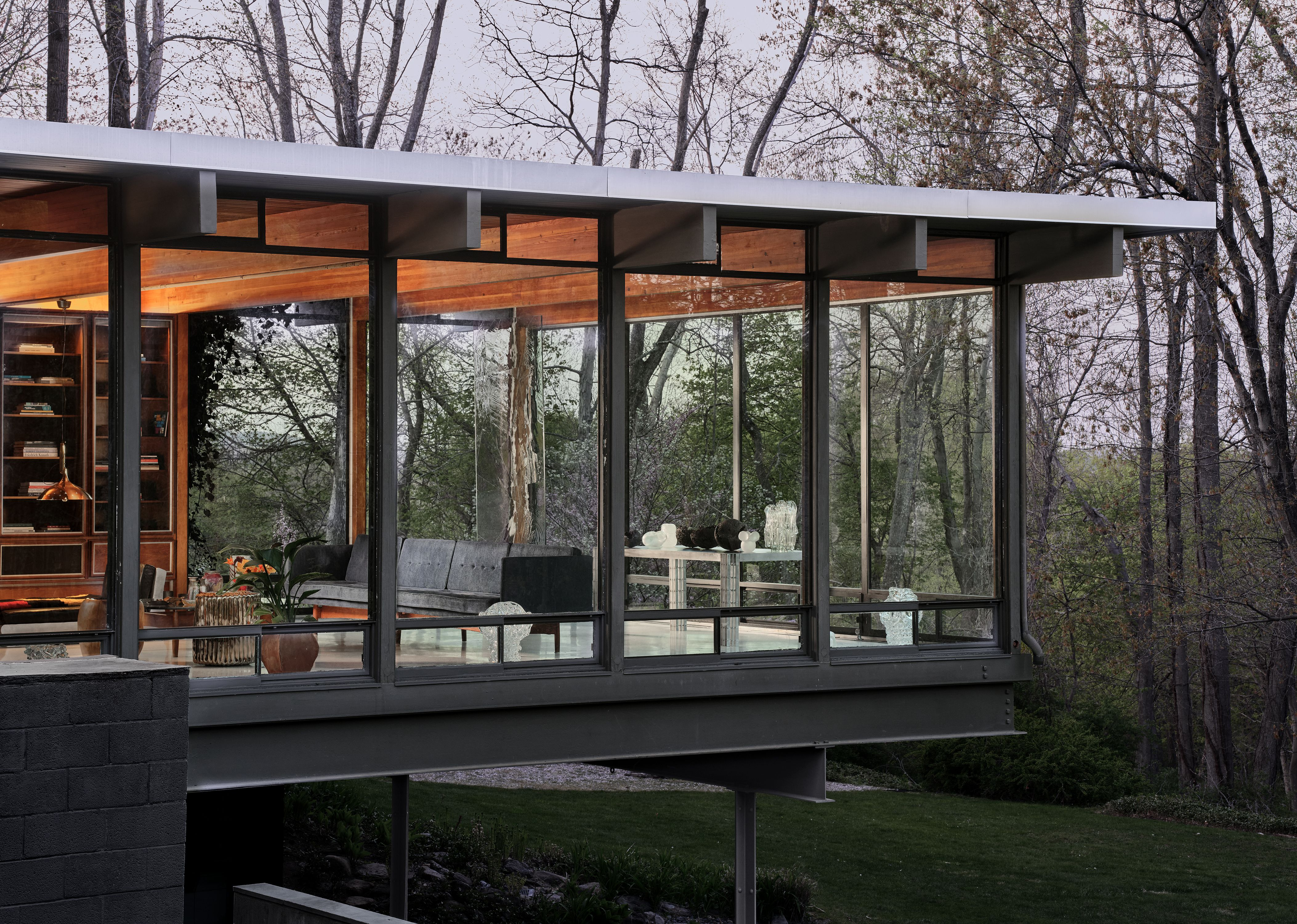At The Luss House: Blum & Poe, Mendes Wood DM and Object & Thing. The Gerald Luss House, Ossining, New York. Photo by Michael Biondo.
