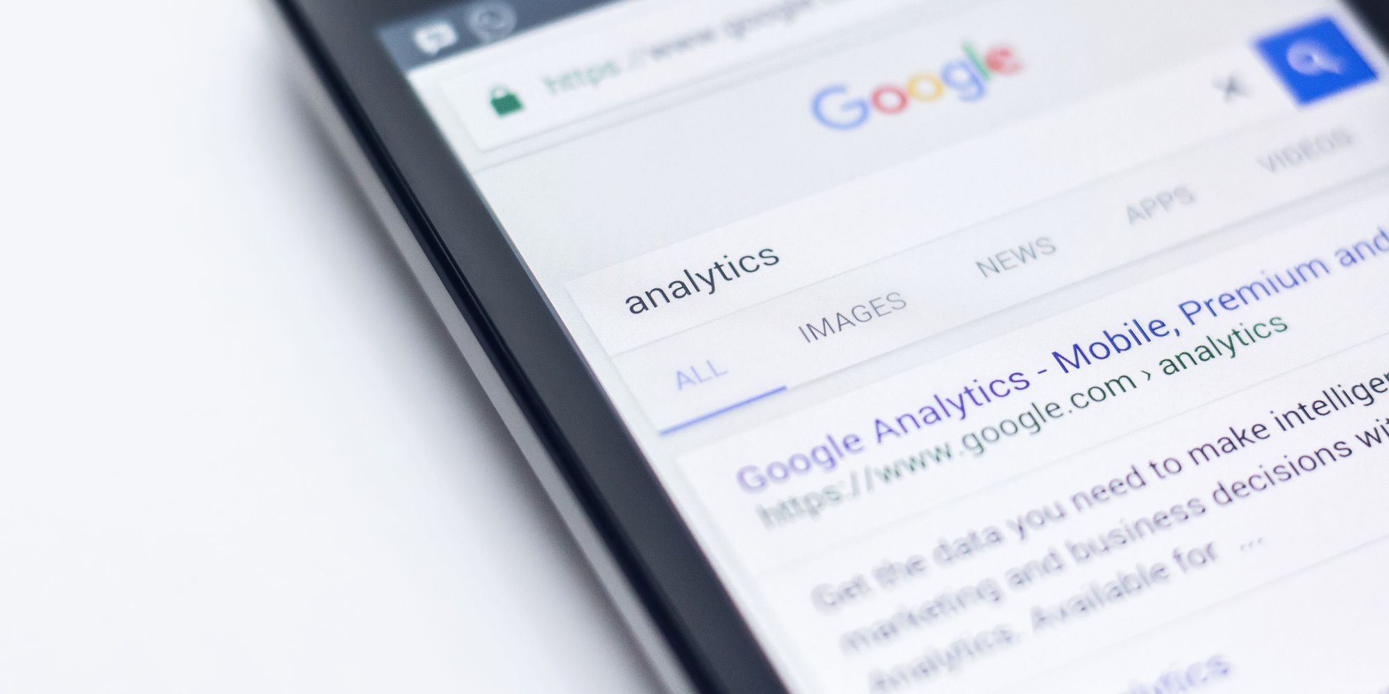 Cover Image for Analyse website and campaign performance with Google Analytics