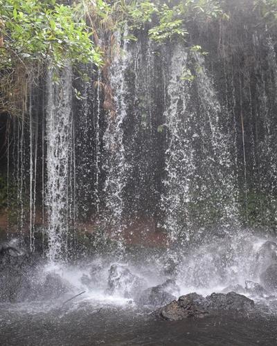 Amabere ga Nyina Mwiru Caves