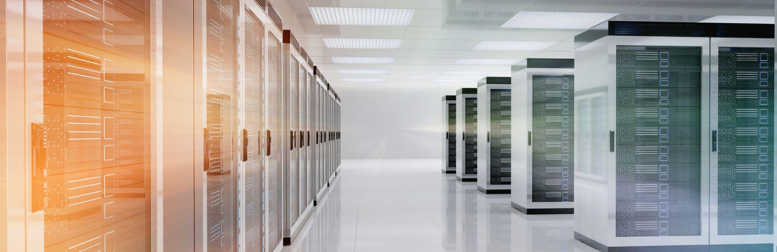 Photo de salle bleue de centre de données
