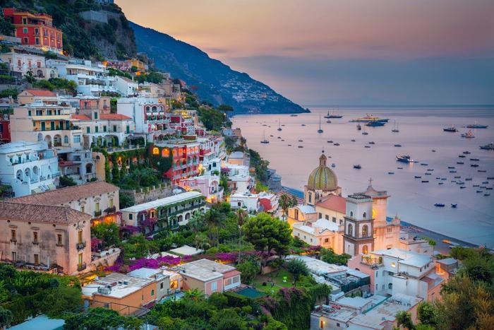Amalfikysten, Italia, solnedgang, vakker natur, gamle bygg