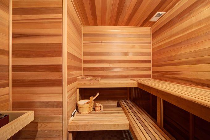 Uusi sauna sisäpuolelta