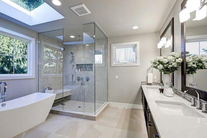 Juuri remontoitu kylpyhuone
