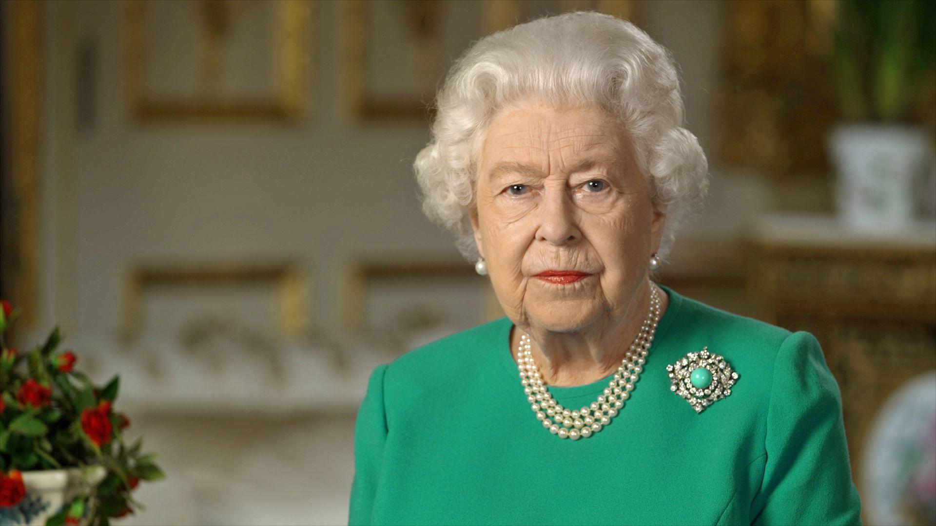 Queen Elizabeth II wearing a turquoise brooch in her April 2020 Covid speech