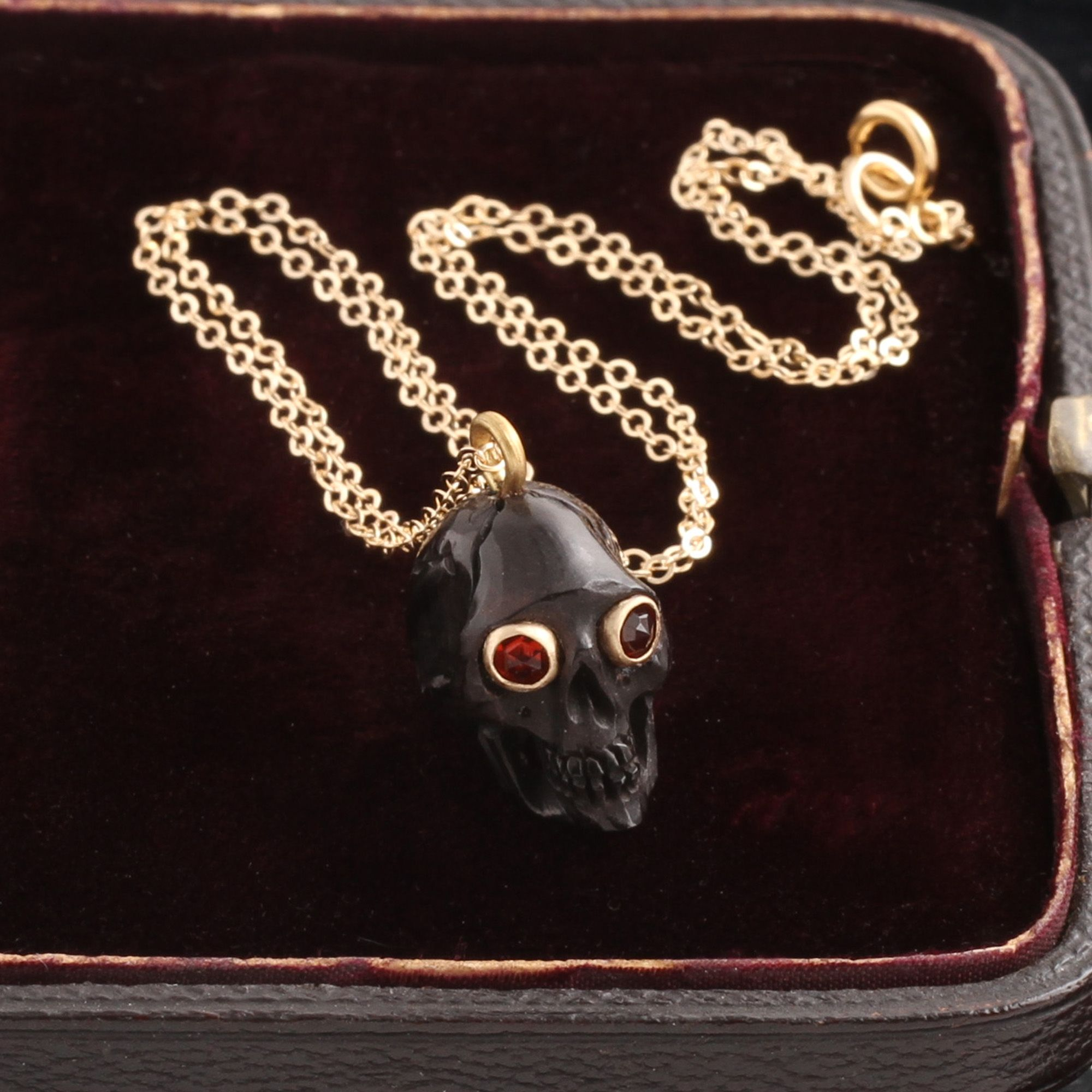 Memento Mori Skull Amulet (Black)