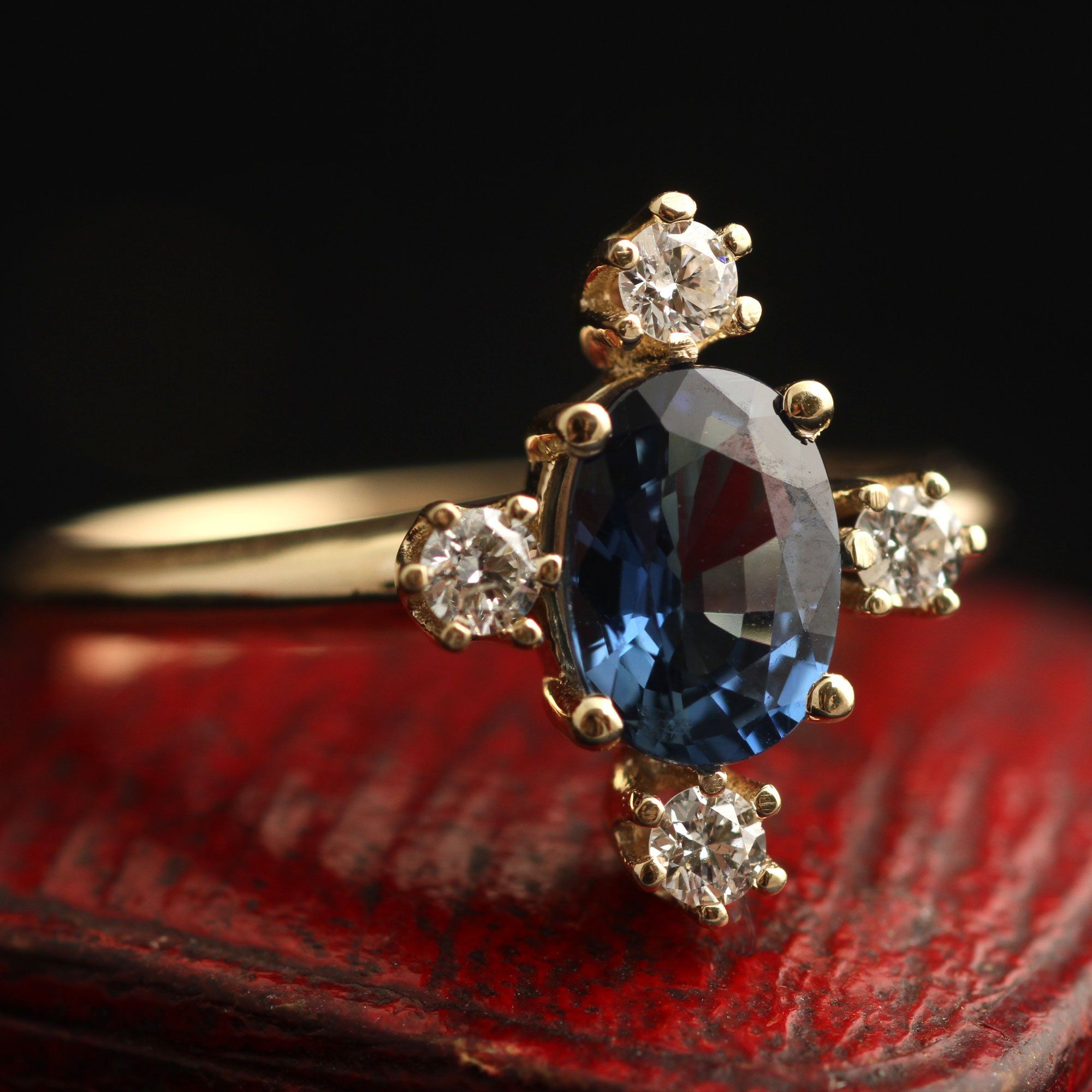 Directional Ring (Sapphire)