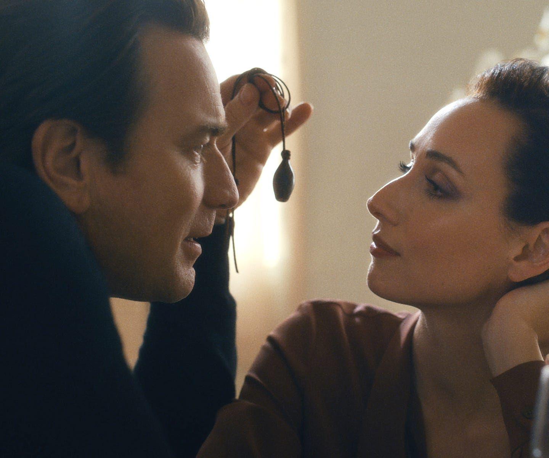 Halston (Ewan McGregor) and Elsa Peretti (Rebecca Dayan) in Netflix's 'Becoming Halston'.