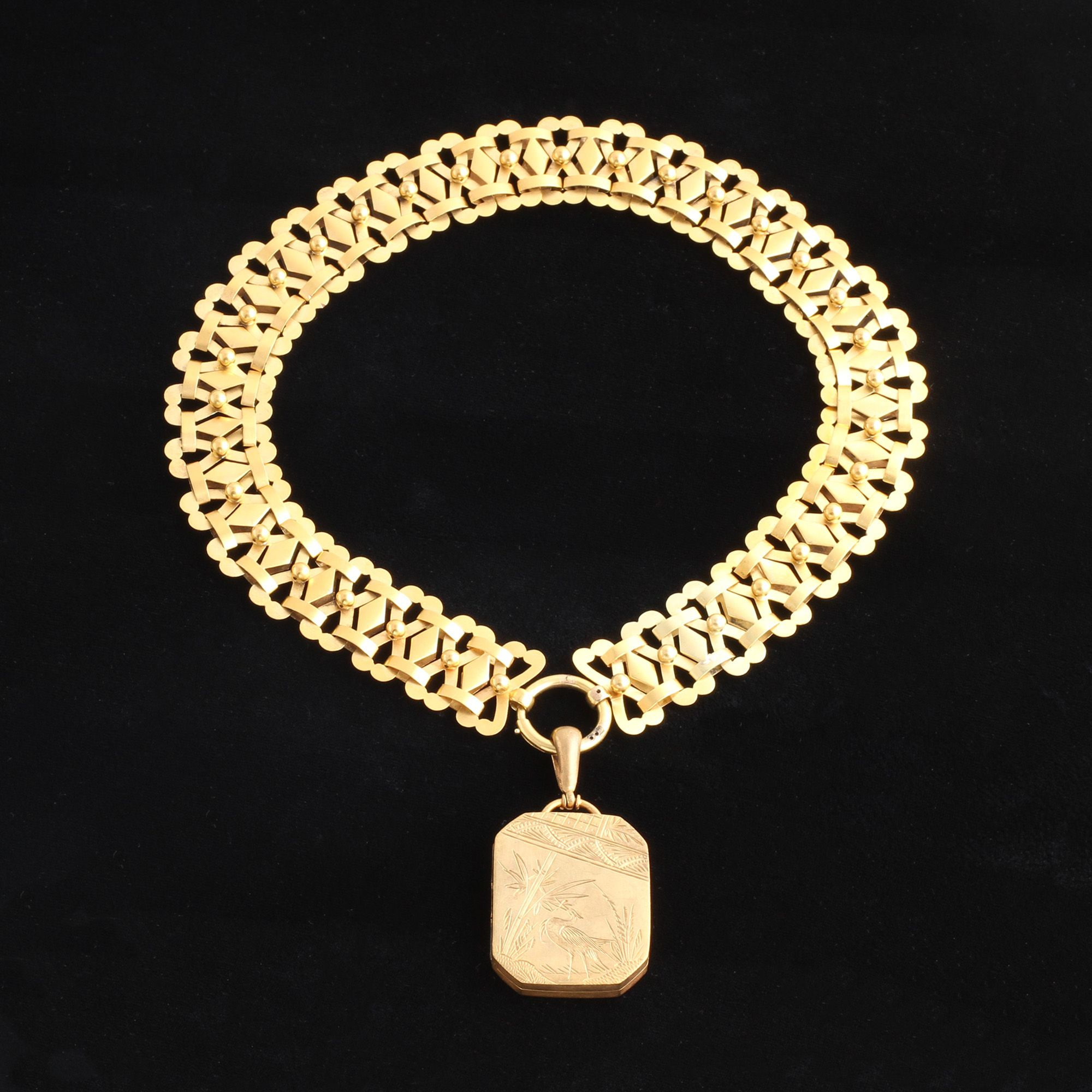 Aesthetic Movement Collar with Locket