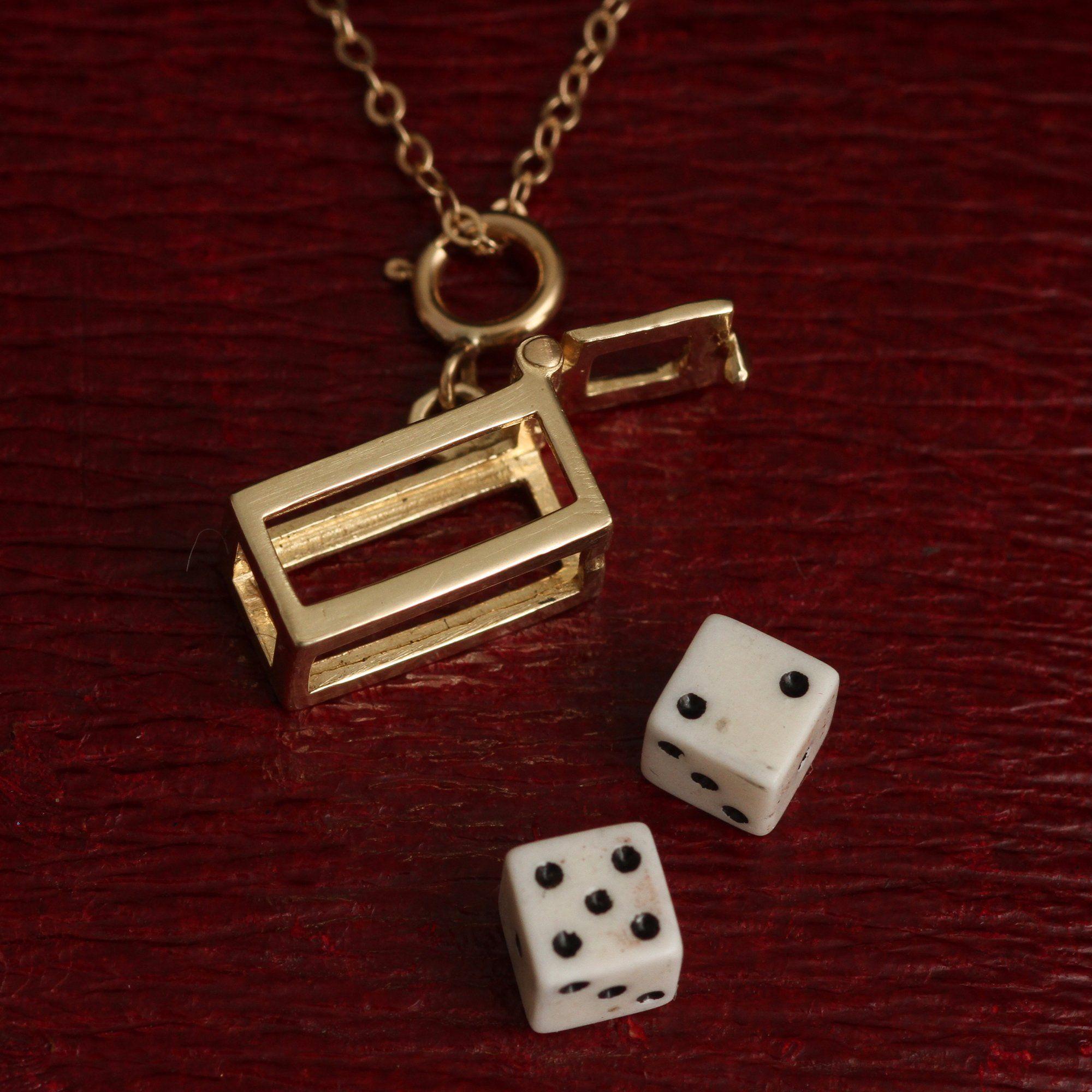 Dice / Fortune Amulet