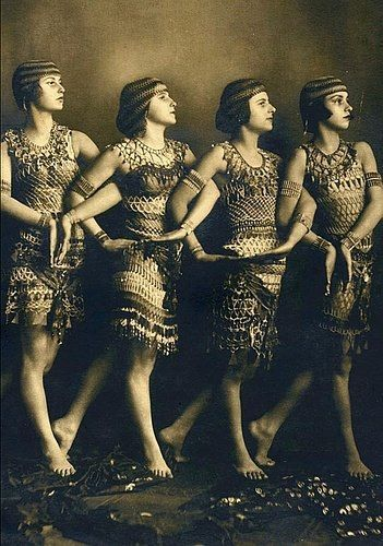 Flappers, ca. 1920s