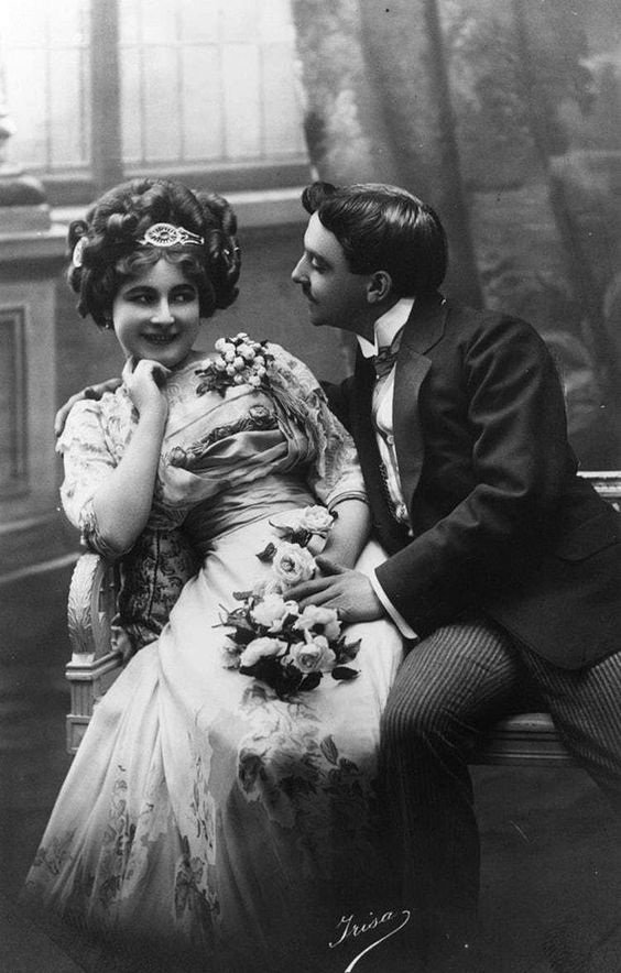 Photograph of a Victorian couple courting, c.1890