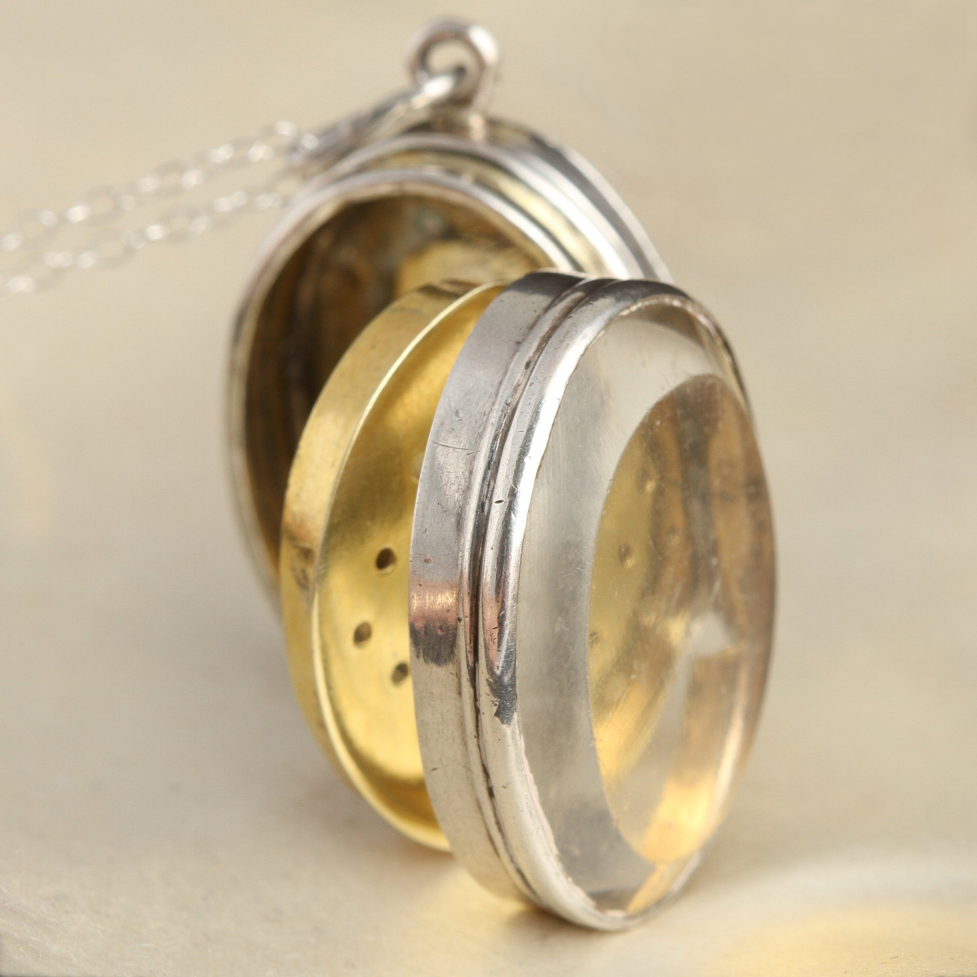 Detail of Victorian Vinaigrette with Beveled Glass