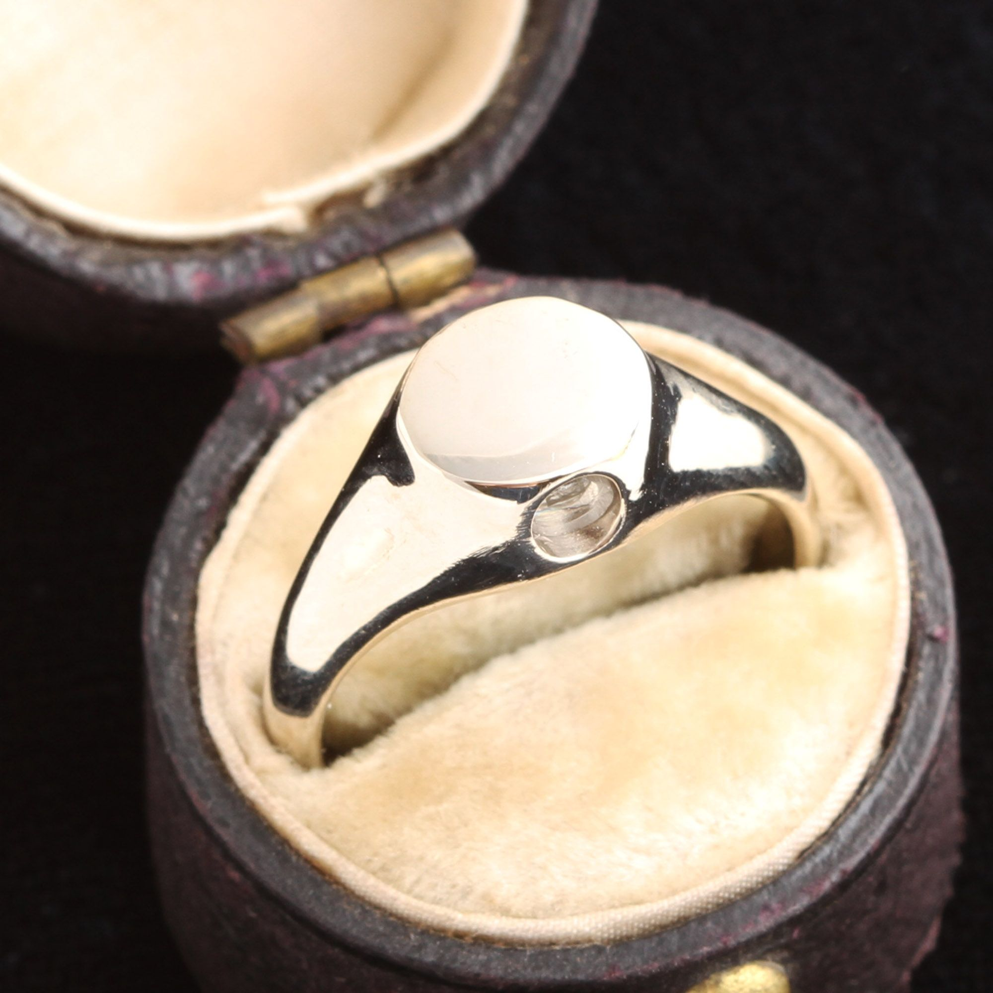 White Gold Peep Show Ring