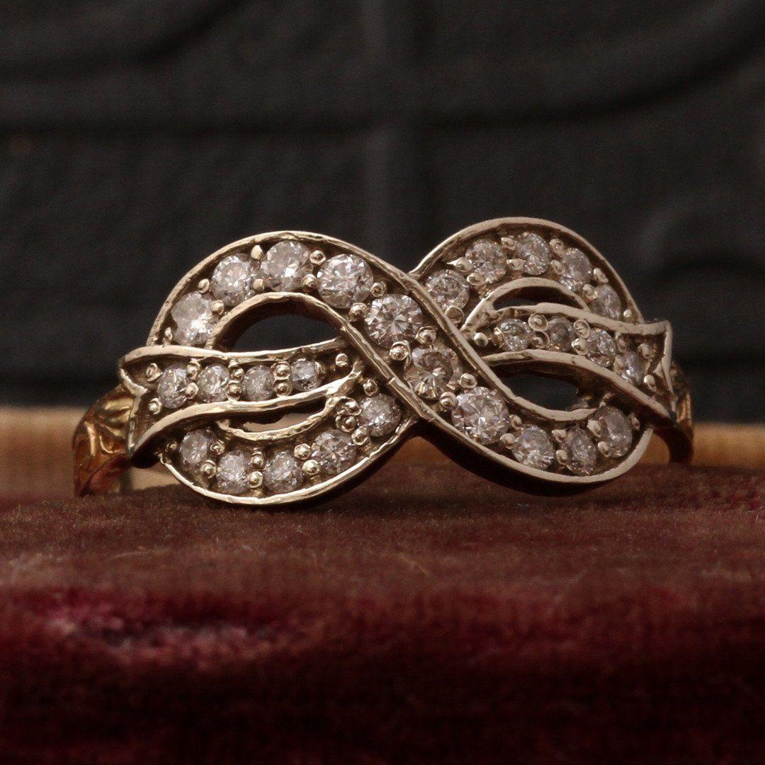 Bow Ring (Diamond)