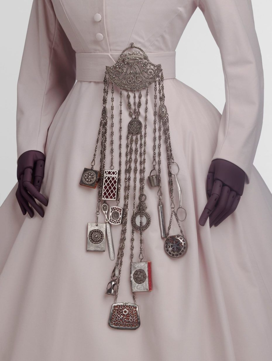 Chatelaine, 1863 – 1885, Victoria and Albert Museum, London.