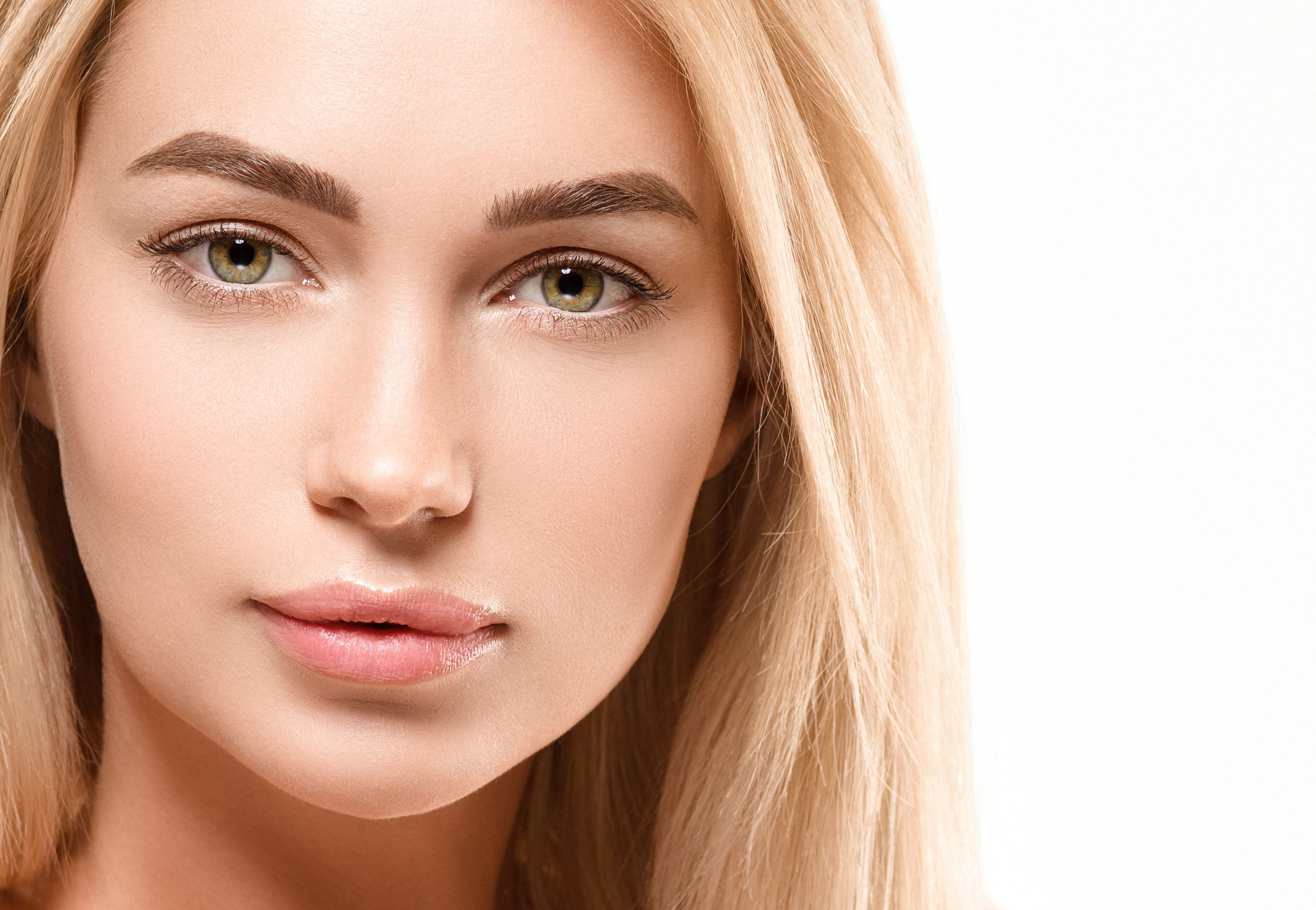 Powder Brows for blonde woman