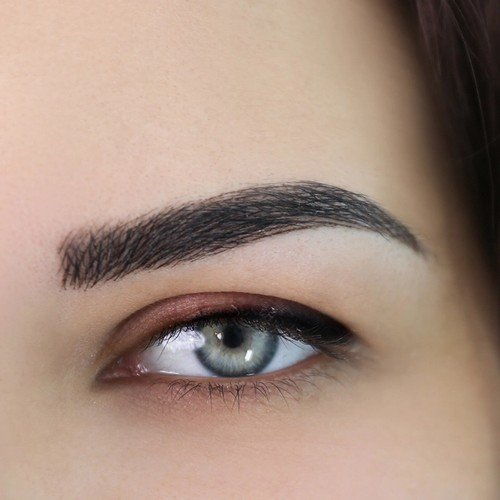 Woman eye after microshading brows