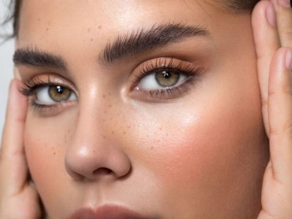 Fluffy eyebrows trend