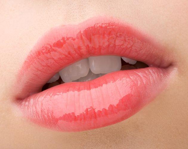 Lip blush tattoo on lips