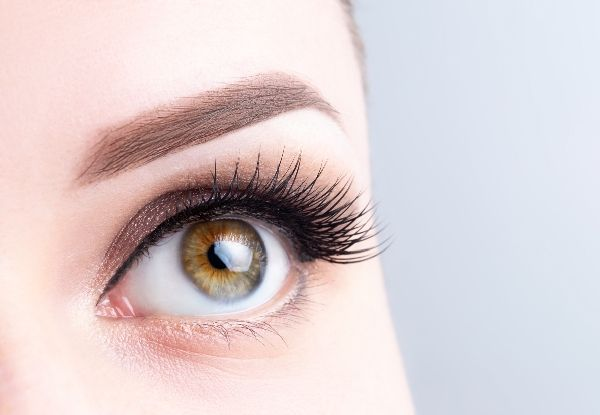 Before permanent makeup eyes