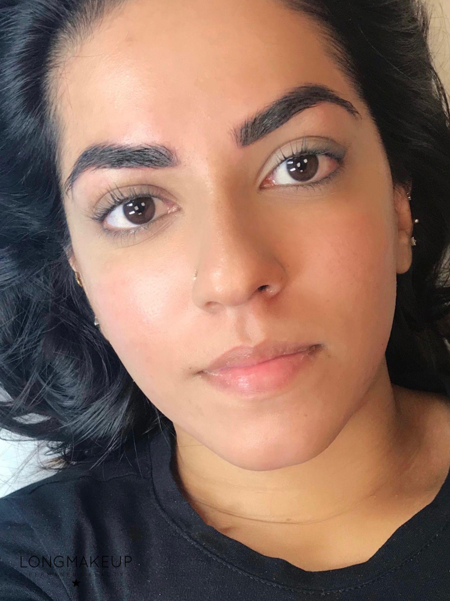Eyebrows tattoo for dark brunette