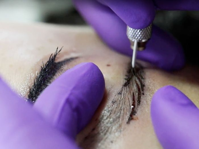 Microblading incision stroking