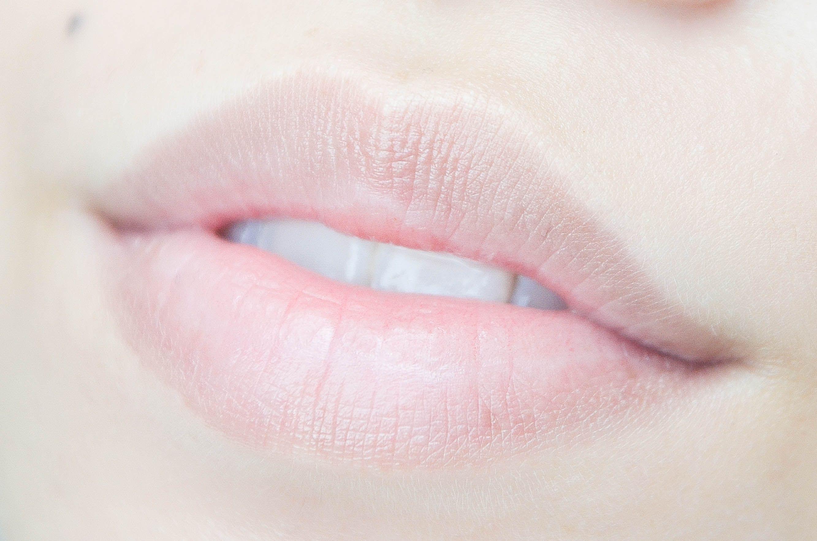 Pale lips before lip tattoo