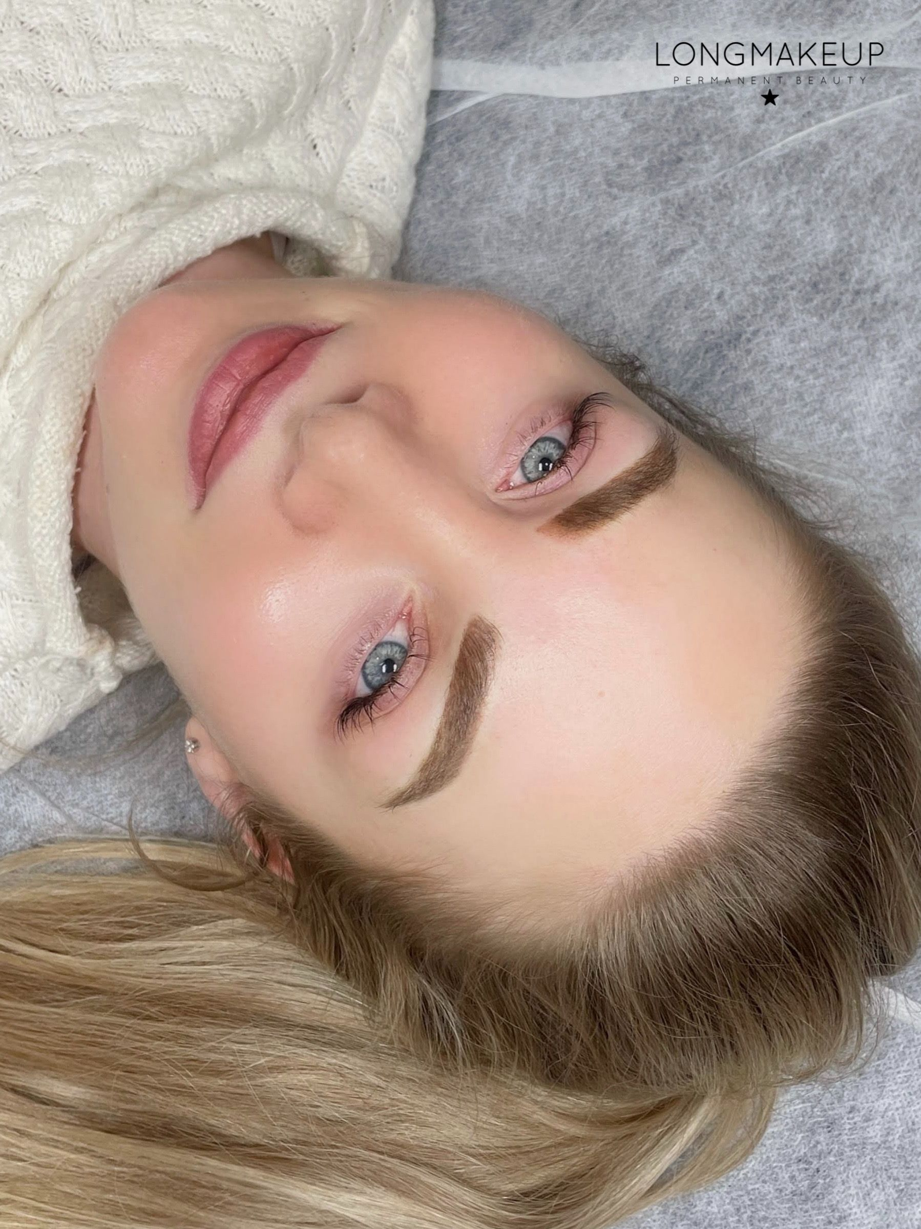 Powder brows blonde
