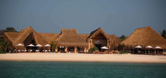 Azura Benguerra Lodge