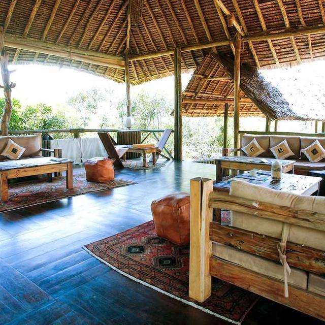 Saadani Safari Lodge