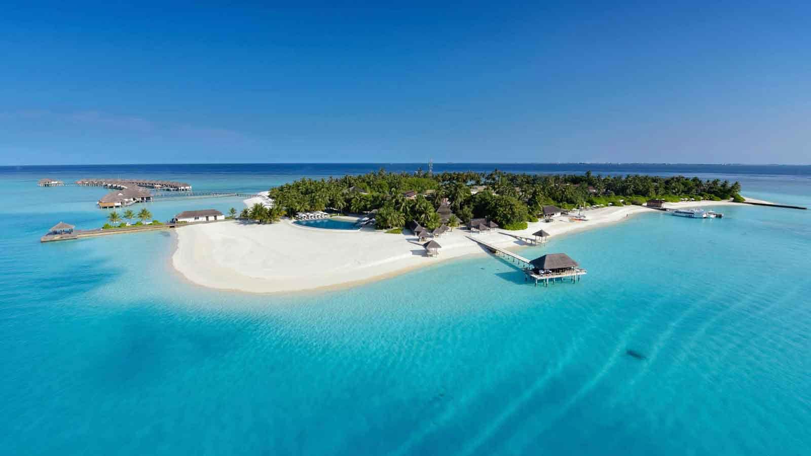 Velassaru Beach Resort