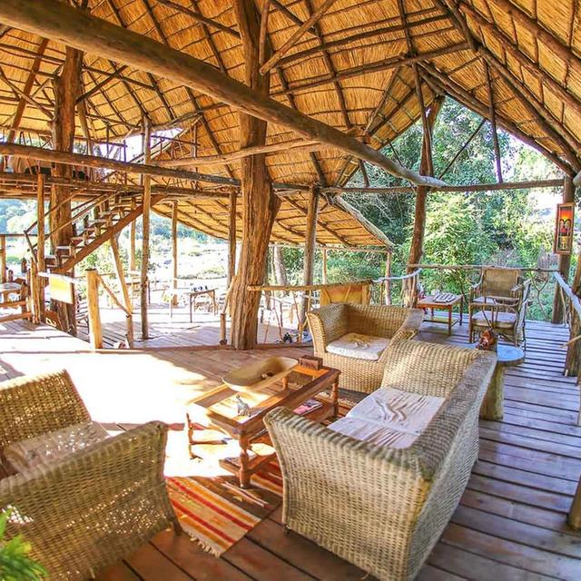 Bua River Lodge