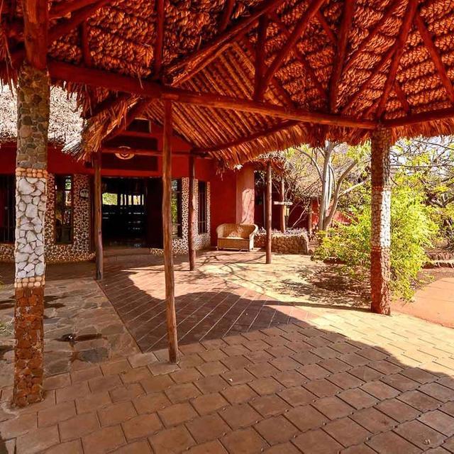 Leopard Rock Lodge