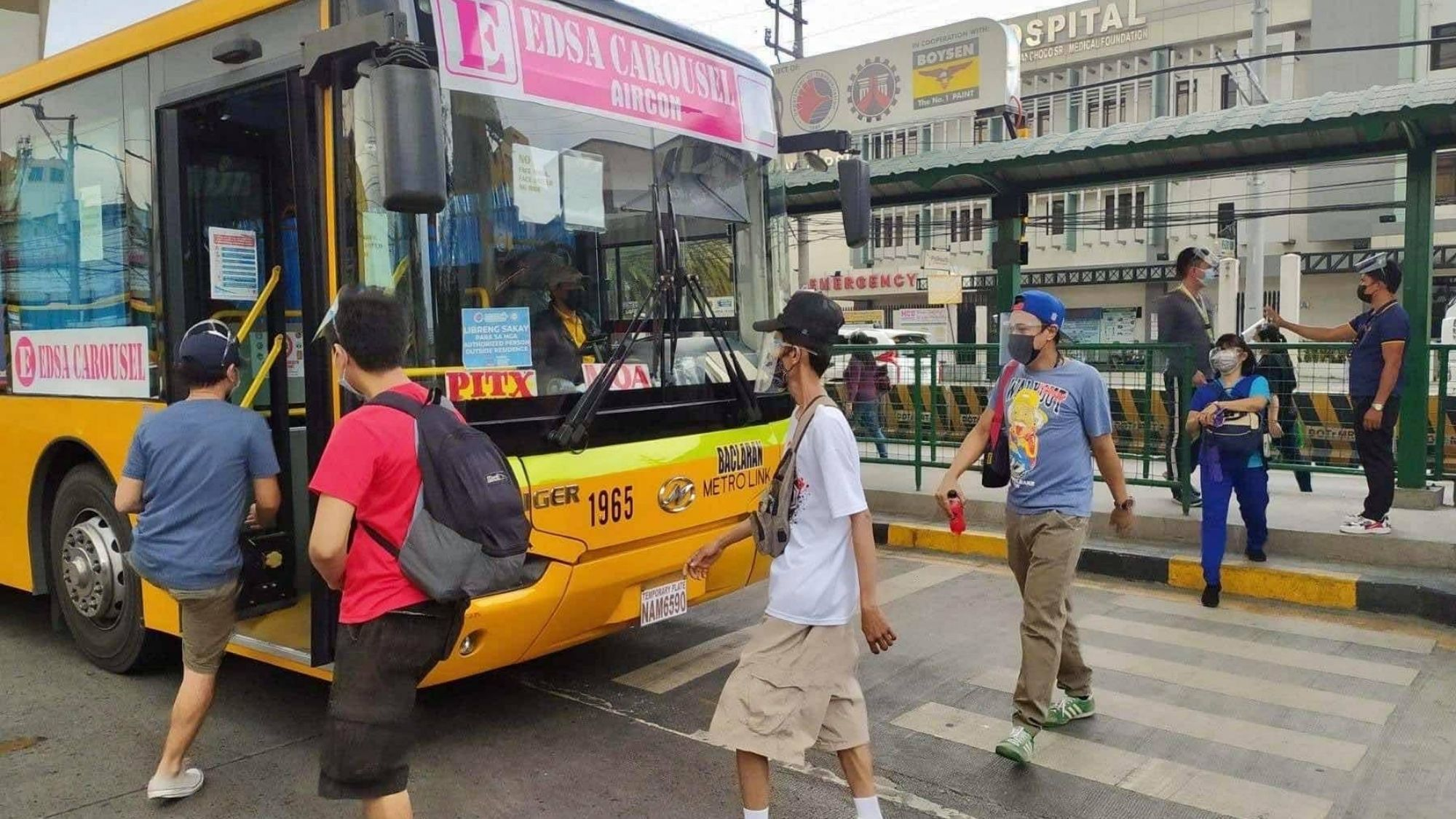 Tugade launches EDSA bus free rides for healthcare workers and APORs