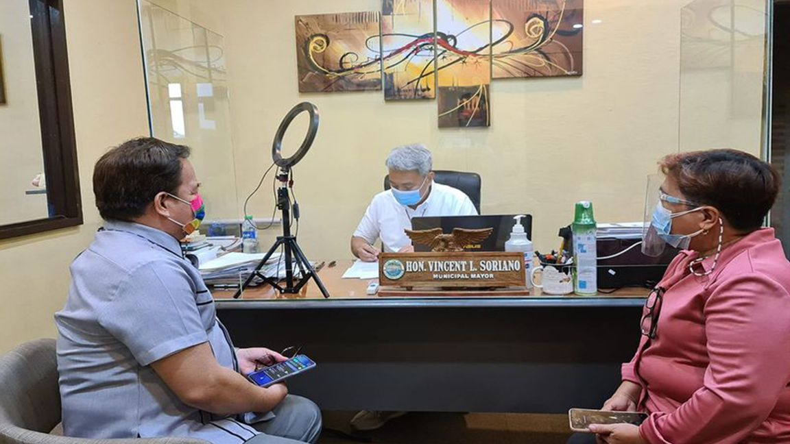 Pakil school tests limited 'face-to-face' classes photo Mayor Vince Soriano
