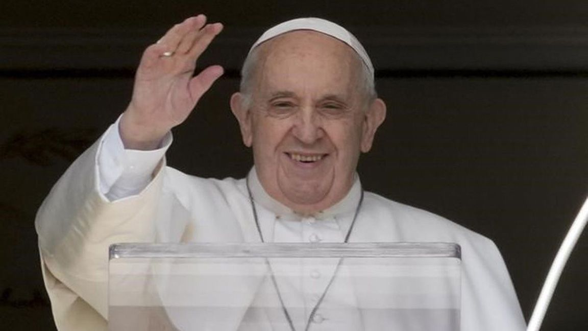 Pope's appeal 'Don't send refugees back' photo Toronto Star
