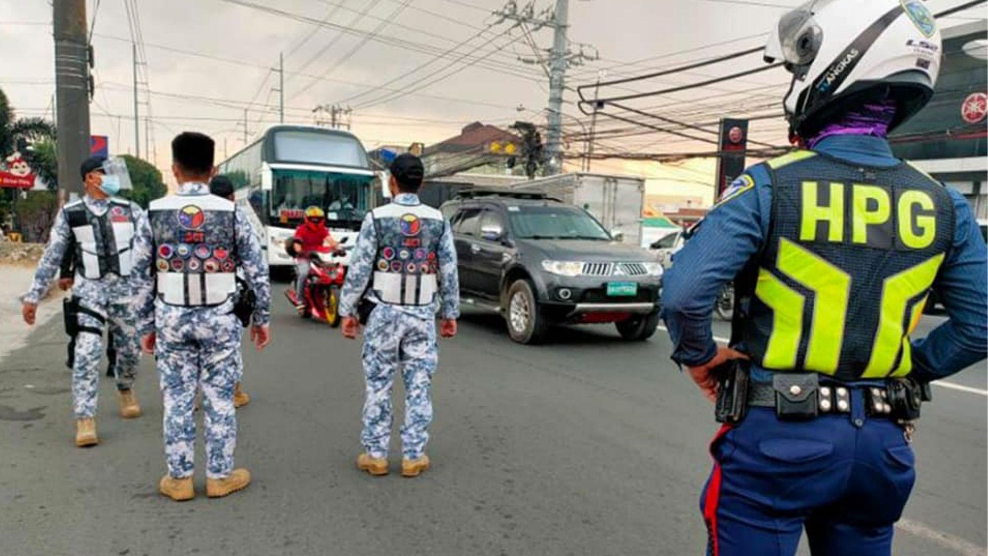 Metro Manila bound colorum vans apprehended in Laguna