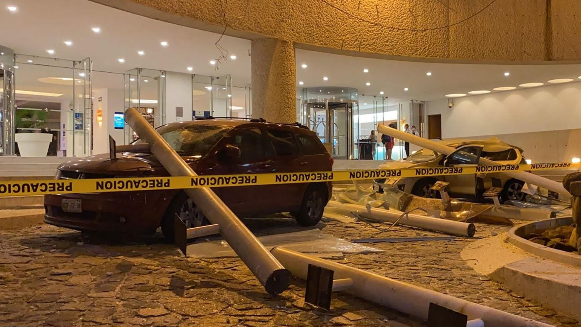Magnitude 7.0 quake hits Mexico, no serious damage reported photo from Bloomberg