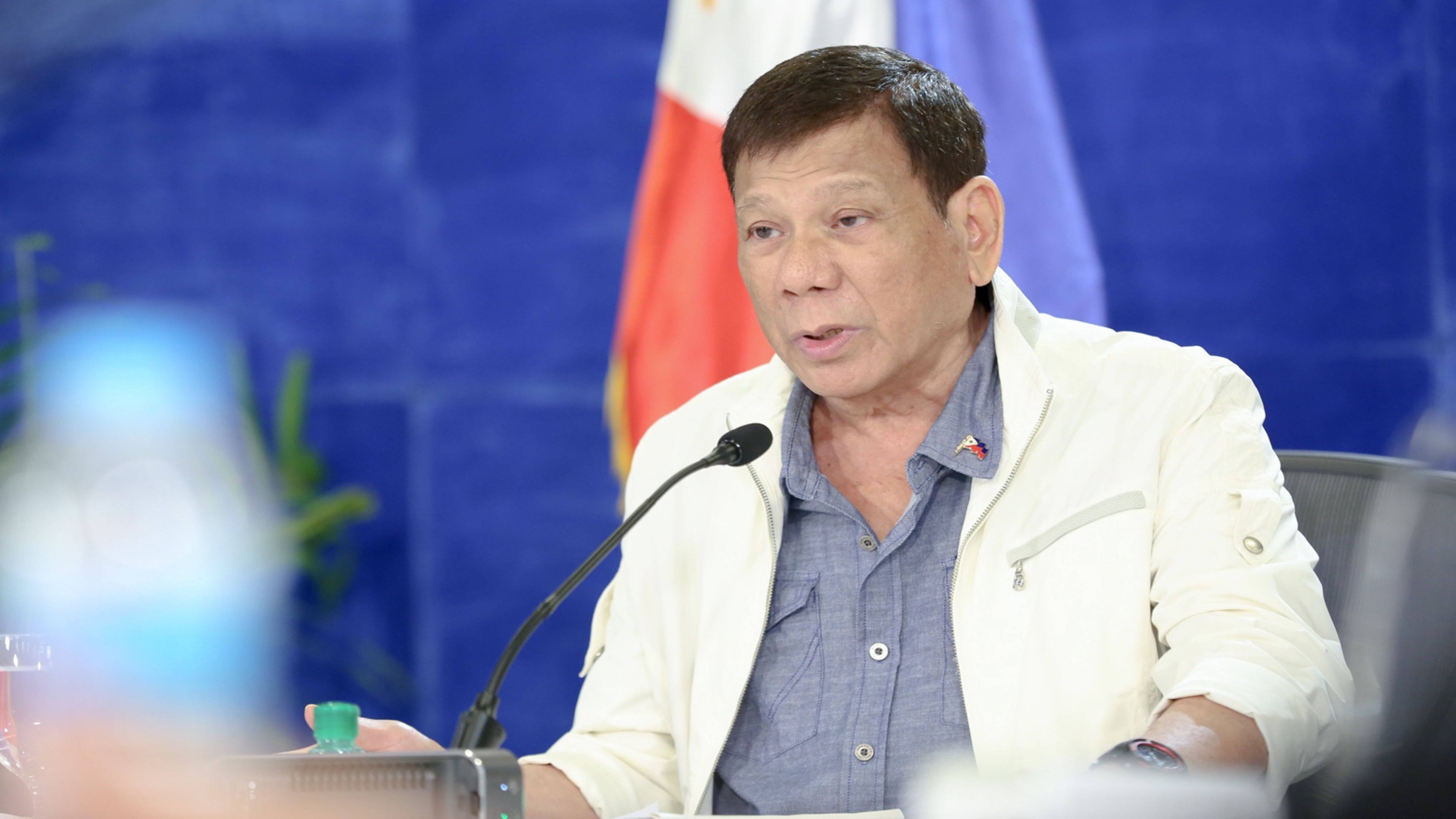 Raging word war Digong hits Gordon anew; presses DOH probe on PRC's 'false positives' photo from PCOO