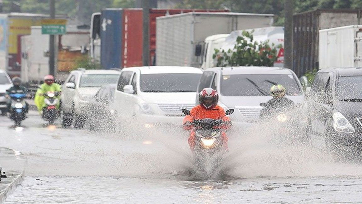 Bad weather forces SC to suspend work in Metro Manila photo from Philippine Star