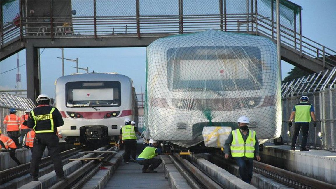 Second batch of MRT-7 trains has arrived and mounted on tracks photo Philippine Star